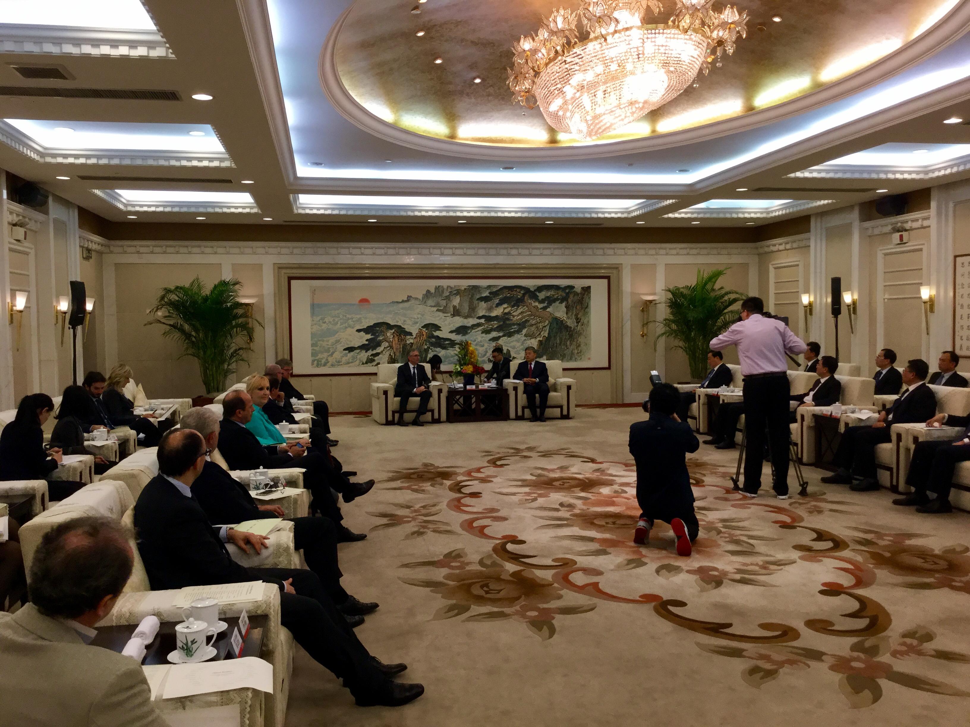 incontro delegazione con governatore Shandong