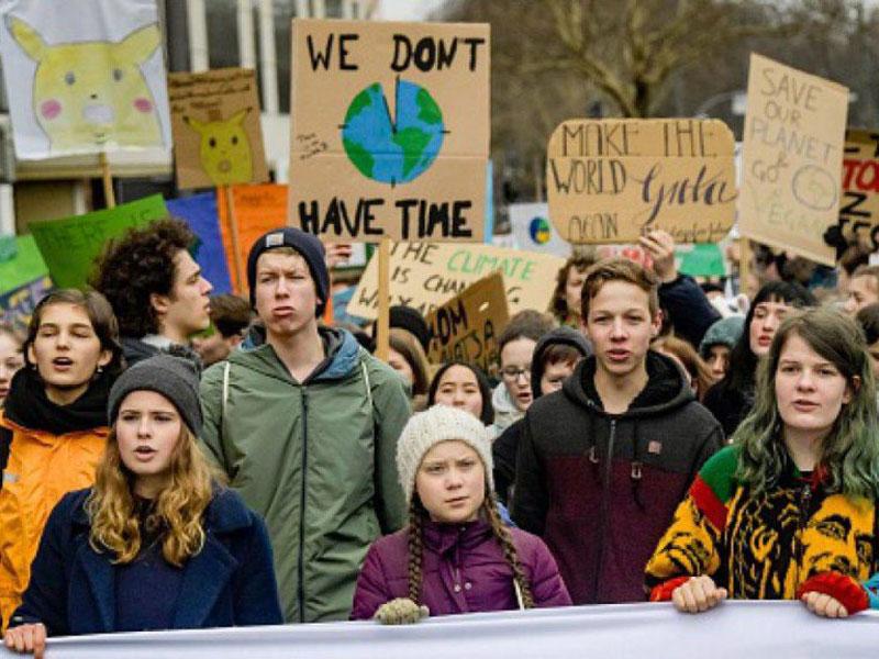 Milioni-di-giovani-in-marcia-per-la-Terra-copertina