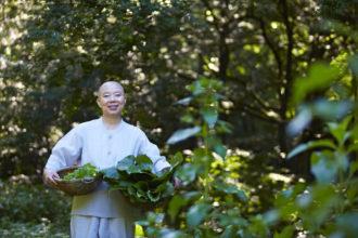 La-monaca-buddista-coreana-Jeong-Kwan-presenta-la-cucina-templare-a-Roma-1