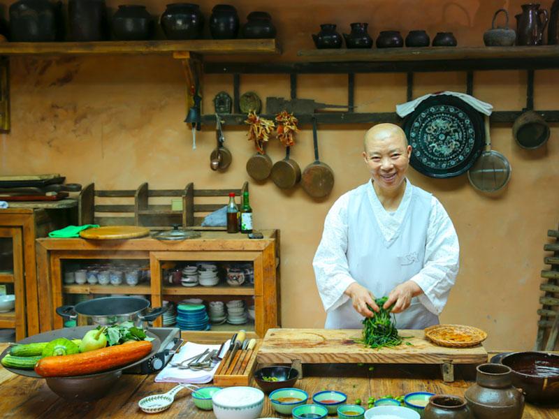 La-monaca-buddista-coreana-Jeong-Kwan-presenta-la-cucina-templare-a-Roma-copertina