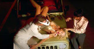 Valeria Marini backstage video-2