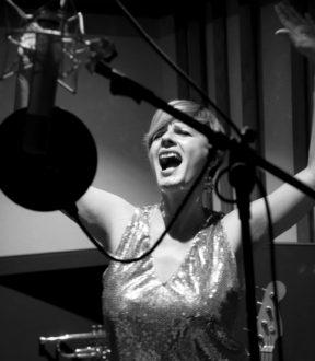 Vanessa Grey in studio-2