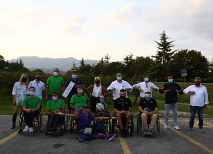 La-famiglia-Balbinot-con-Tiziano-Pasquali,-Sammy-Basso,-Giusy-Versace,-Andrea-Ciccolella,-Giordano-Giordani-e-i-4Cats-Wheelchair-Rugby-Vicenza-copertina